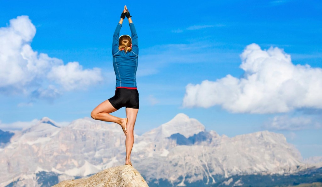 outdoor-womens-yoga-fitness-1415087138